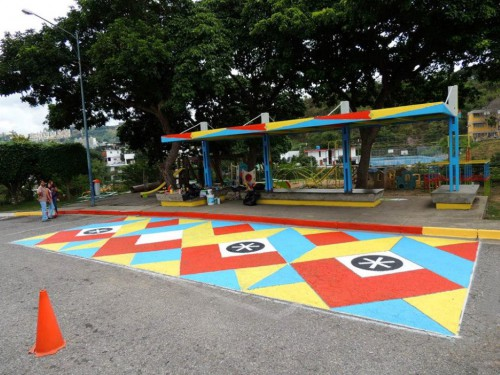Bus stop of Childrens Hospital  San Juan de Dios in Venezuela Flix (Custom)